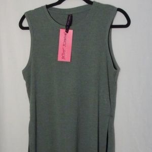 Betsey Johnson Woman's Performance Top, Size Med